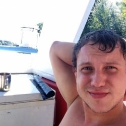 Девственник ищет опытную девушку для секса в Саратове